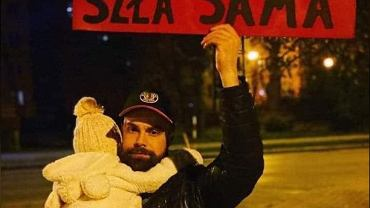 To zdjęcie zyskało miano najbardziej wzruszającej fotki z protestu kobiet.