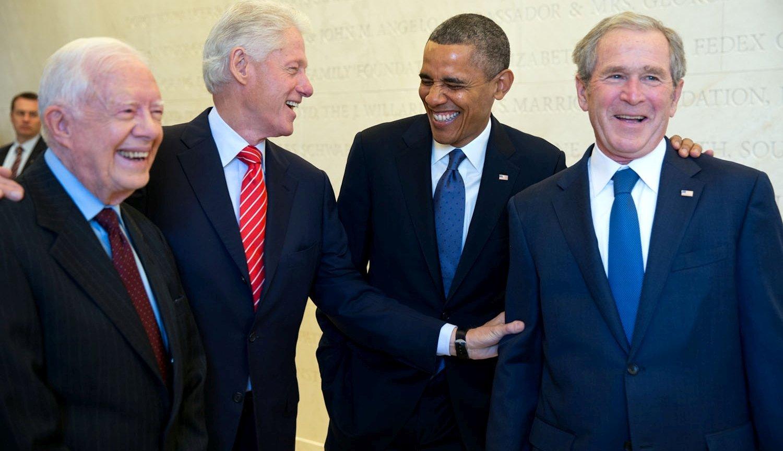 Wspólne zdjęcie czterech amerykańskich prezydentów: Cartera, Clintona, Obamy i Busha