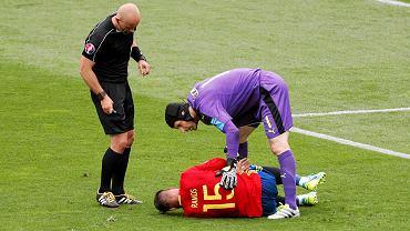 Hiszpania - Czechy 1:0. Szymon Marciniak, Sergio Ramos i Petr Cech