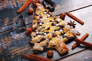 Choinka z ciasta francuskiego - jak zrobić pyszną i efektowną przekąskę? [PRZEPISY]