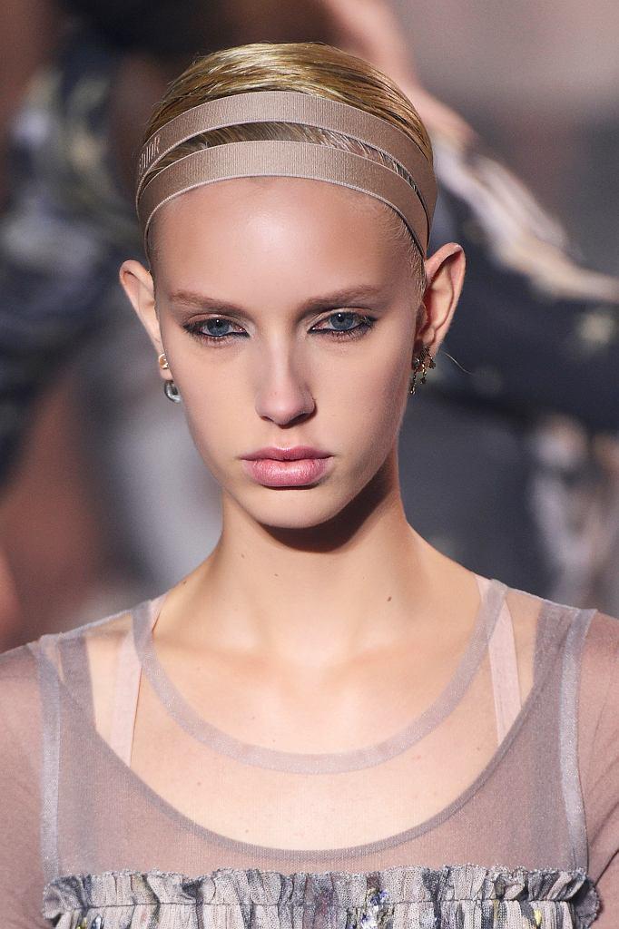 Wieczorowy makijaż z pokazu Dior - czarna kredka w środku oka