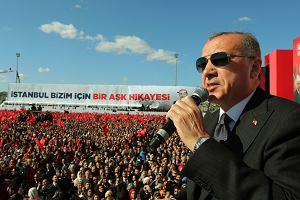 Tak to się robi w Turcji. Lira mocno się osłabiła, Erdogan zagroził inwestorom