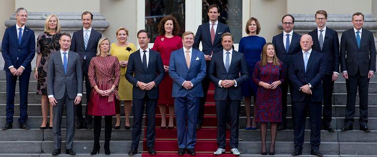 Holandia. Rząd podał się do dymisji po aferze skarbowej