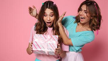 O czym pamiętać, wybierając prezent dla przyjaciółki?