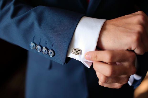 Trzy polskie marki odzieżowe podejrzane o fałszowanie składu ubrań. UOKiK bada sprawę