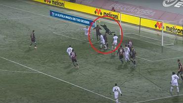 Fatalny błąd Łukasza Skorupskiego przy golu dla Benevento