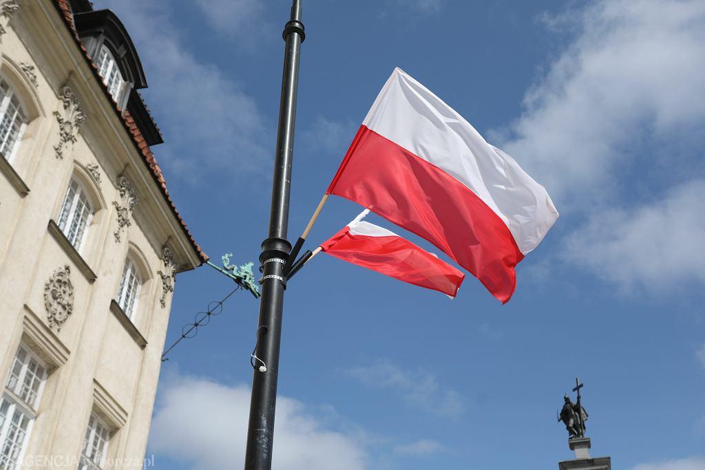 2 maja - Dzień Flagi. Jak powiesić flagę? Najważniejsze zasady