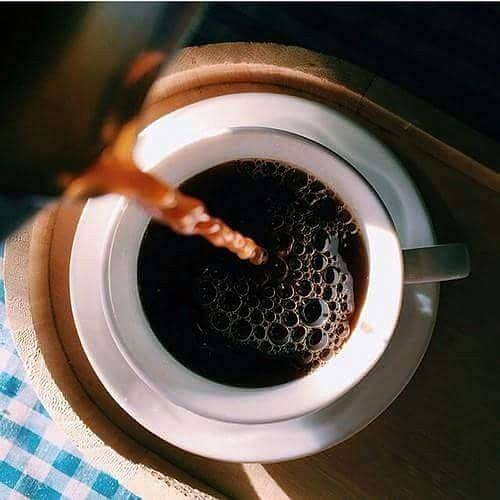 Czarna, niesłodzona kawa zmniejsza apetyt