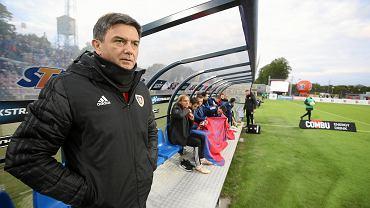 Waldemar Fornalik z Piasta Gliwice podczas meczu w Szczecinie