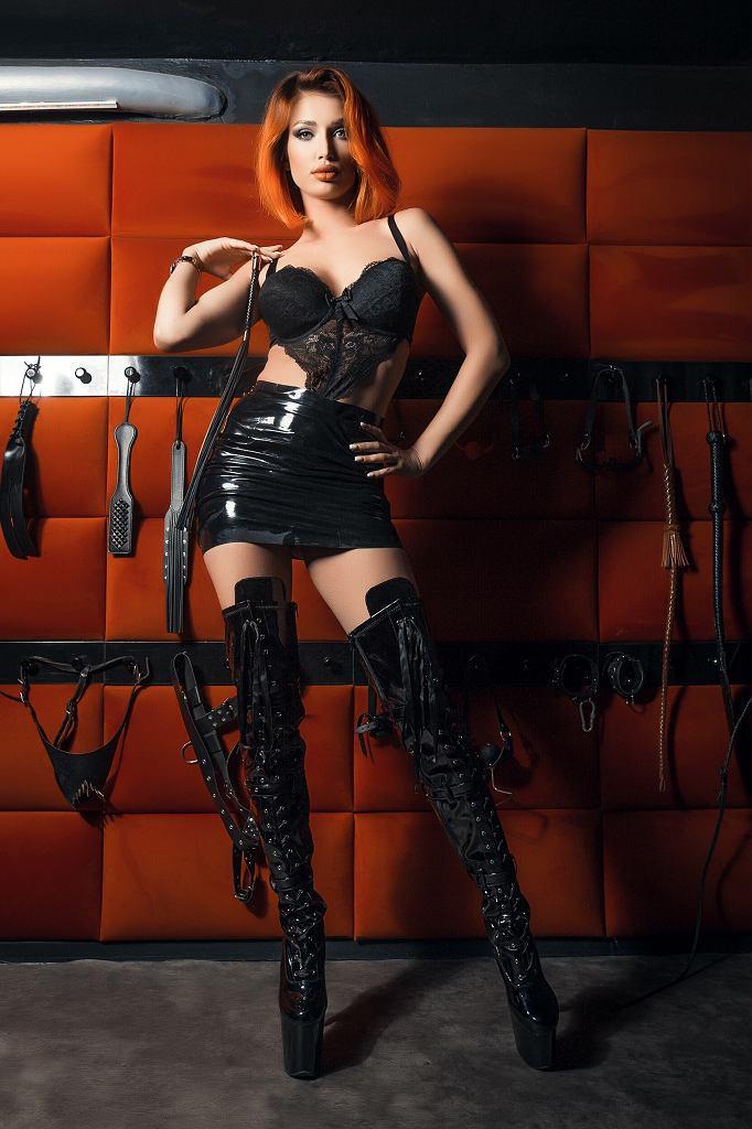 Dominika Kruszewska, Dark Fairy, dominatrix, sexworkerka i aktywistka