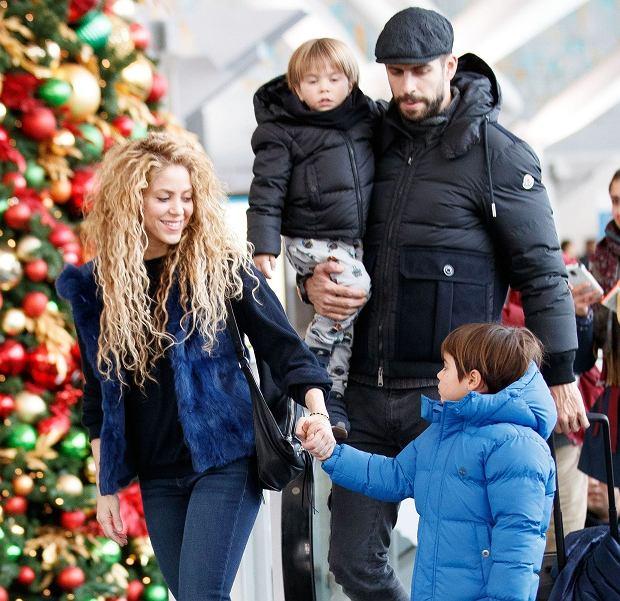Shakira i Pique z dziećmmi