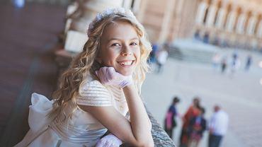 Fryzury komunijne dla dziewczynki