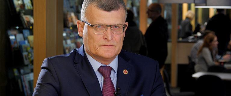 Grzesiowski: Zakażeń jest nie 20, ale nawet 200 tys.
