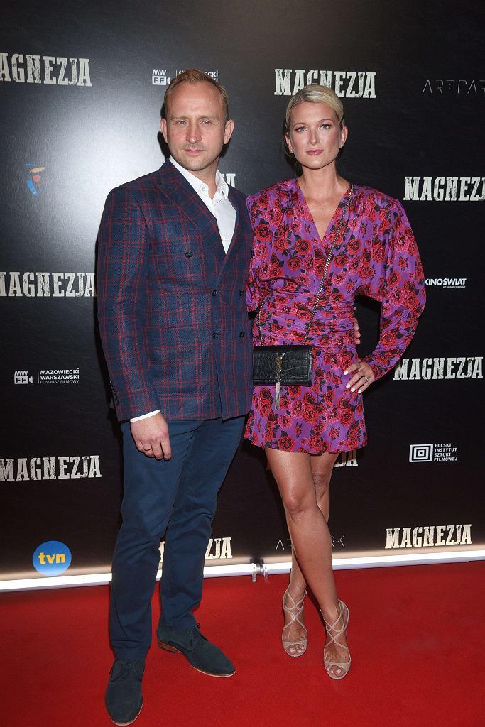 Borys Szyc z żoną - premiera filmu 'Magnezja'