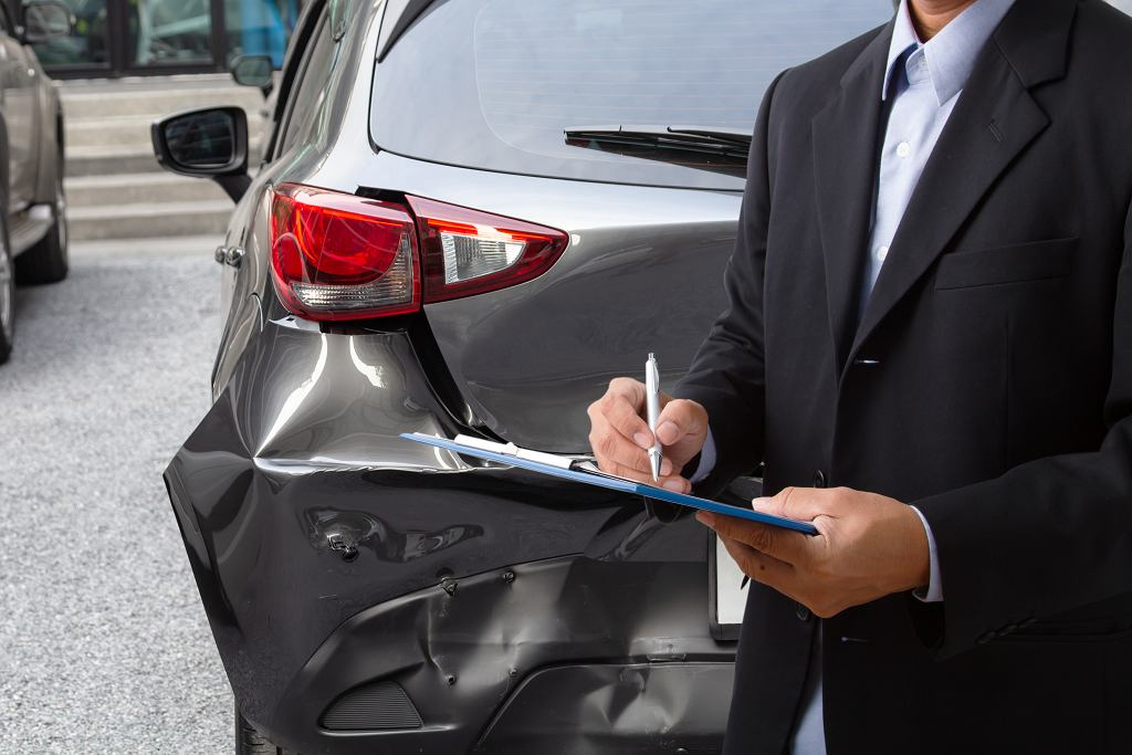 Coraz wyższe kary grożą kierowcom, którzy nie posiadają polisy OC.