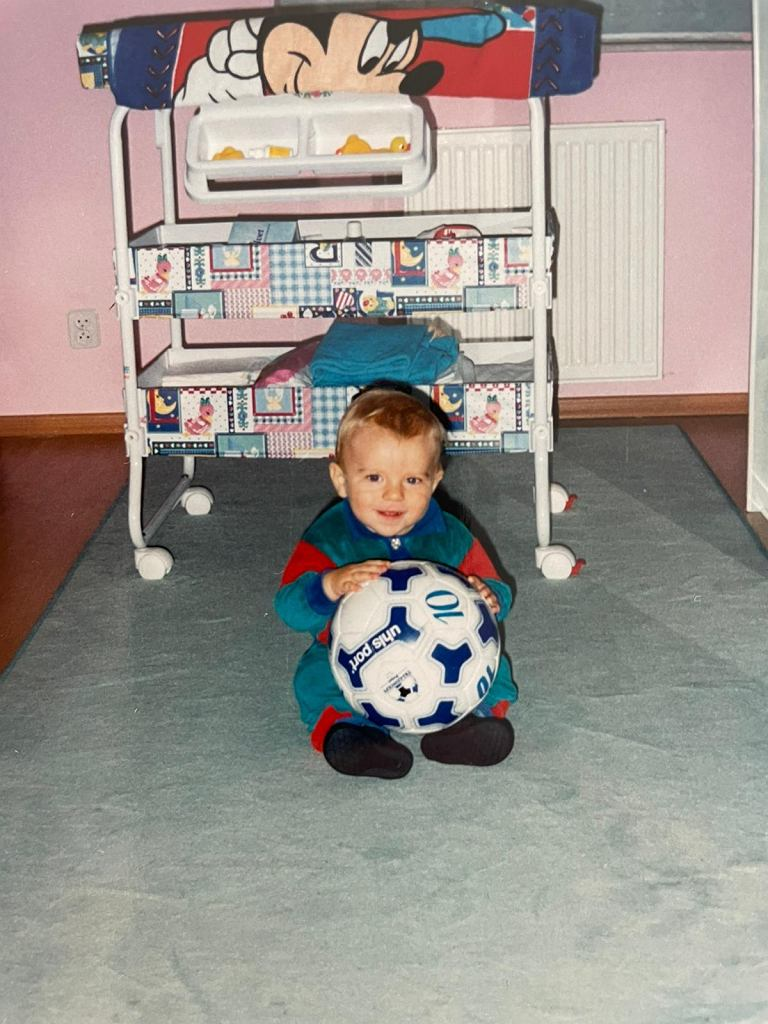 Tymoteusz Puchacz z pierwszą piłką