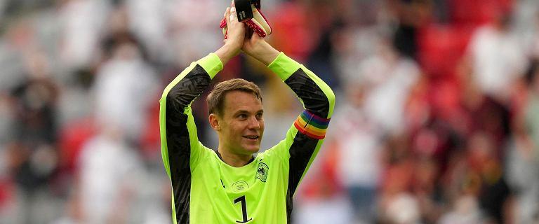 """UEFA podjęła decyzję ws. opaski Neuera. """"Niezmywalna plama"""" i drwiny"""
