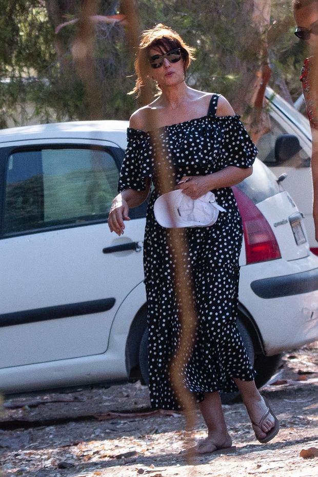 Monica Bellucci na wakacjach w Paros