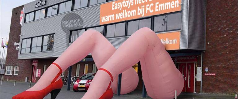 """Kontrowersyjny sponsor klubu rozpętał burzę w Holandii. """"Umowa sprzeczna z dobrym gustem"""""""