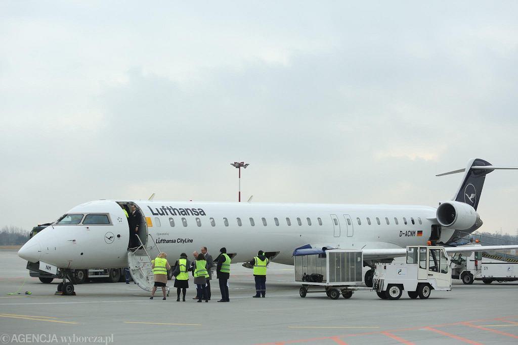 Lotnisko w Łodzi. Samolot Lufthansy do Monachium/Zdjęcie ilustracyjne