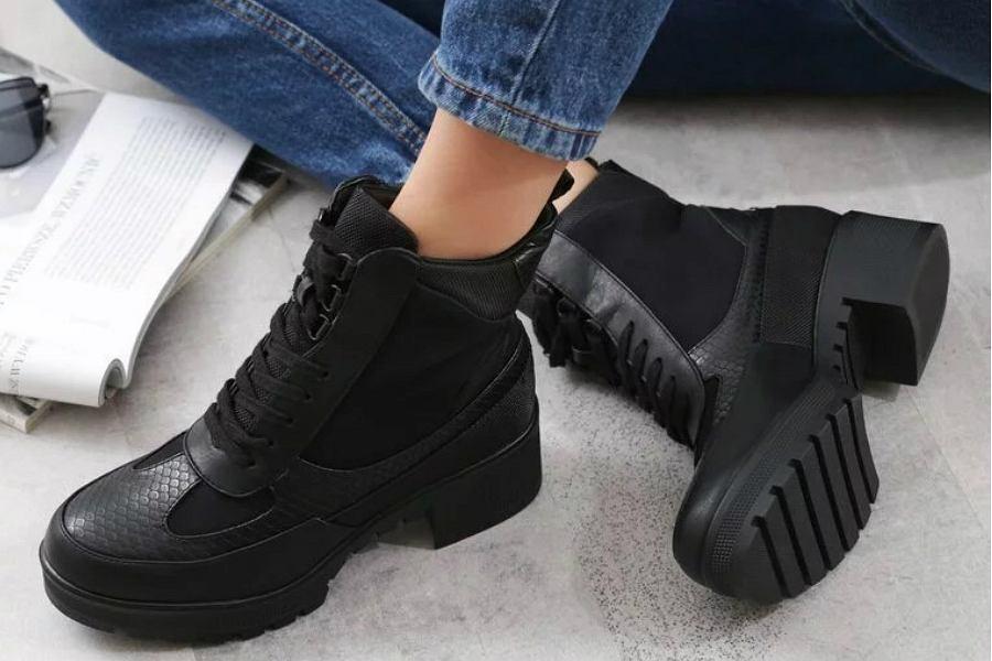 Buty na platformie: wygodna alternatywa dla obcasów