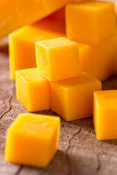 Ser żółty korzystnie wpływa na florę bakteryjną jelit.