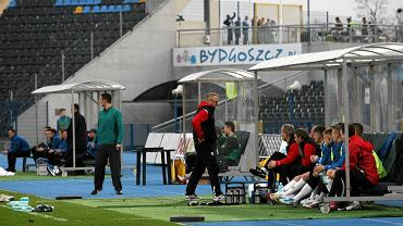 Zawisza Bydgoszcz - Stomil Olsztyn 2:3. Ławka szkoleniowa Stomilu podczas meczu z Zawiszą Bydgoszcz