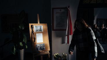 Portret zamordowanego Pawła Adamowicza - w I LO im. Kopernika. Prezydent miasta był jego absolwentem. Gdańsk, 15 stycznia 2018