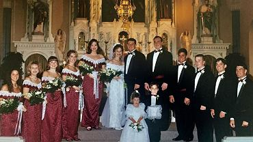 Publikuje zdjęcie ze ślubu 20 lat później i przeprasza przyjaciółki