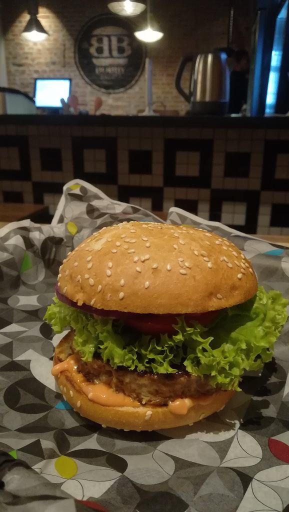 'Power plant' - wegański burger z Bobby Burger.