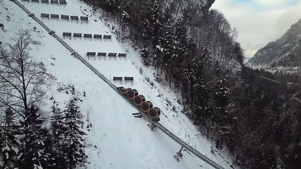 Kolejka szynowo-liniowa w Szwajcarii (Stoosbahn)