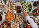Nie pomijaj zup, śledzi, surówek, czyli potraw niskokalorycznych. Dzięki temu zjesz mniej ciężkostrawnych dań. Pij kompot z suszu, a po kolacji - zieloną herbatę i miętę    - Zdjęcia