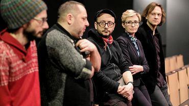 Twórcy spektaklu '#chybanieja': Artur Pałyga, Daniel Moński, Paweł Passini oraz dyrekcja Teatru Maska: Monika Szela i Jacek Popławski