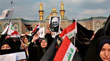 Demonstranci na ulicach Bagdadu - po zabiciu przez USA irańskiego generała Sulejmaniego. Irak, 4 stycznia 2020