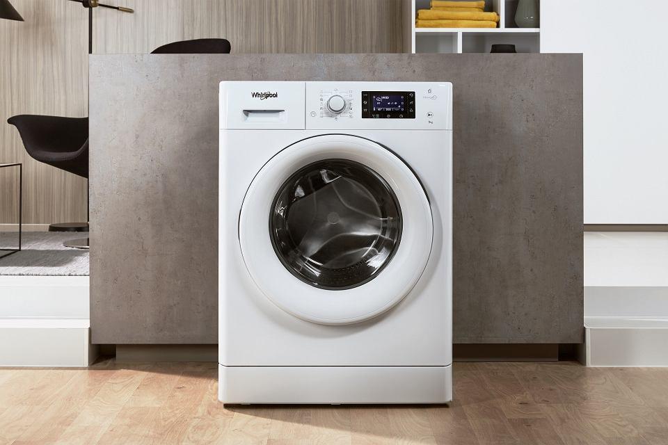 Nowa pralka Whirlpool FreshCare+. Polecają ją Zygmunt i Filip Chajzerowie