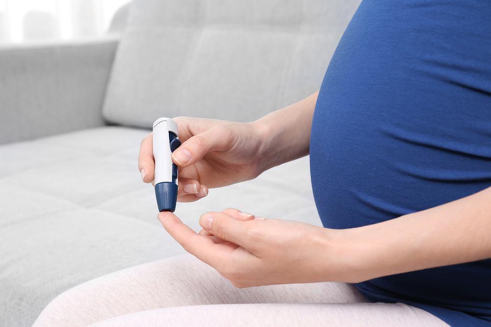 Badanie poziomu cukru we krwi ma szczególne znaczenie w przypadku kobiet w ciąży