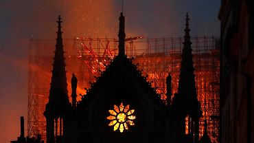 Notre Dame spłonęło
