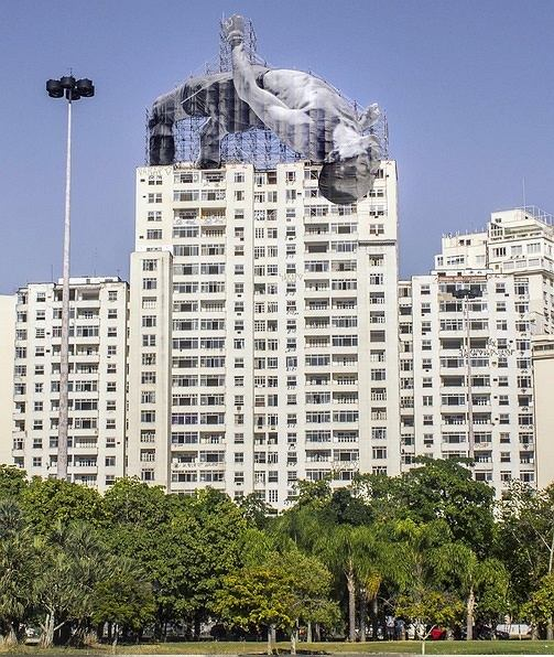 Zdjęcie numer 4 w galerii - Na ulicach Rio de Janeiro pojawiły się niezwykłe instalacje