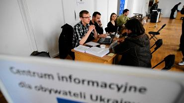 Centrum informacyjne dla obywateli Ukrainy przy ul. Nowy Świat 63