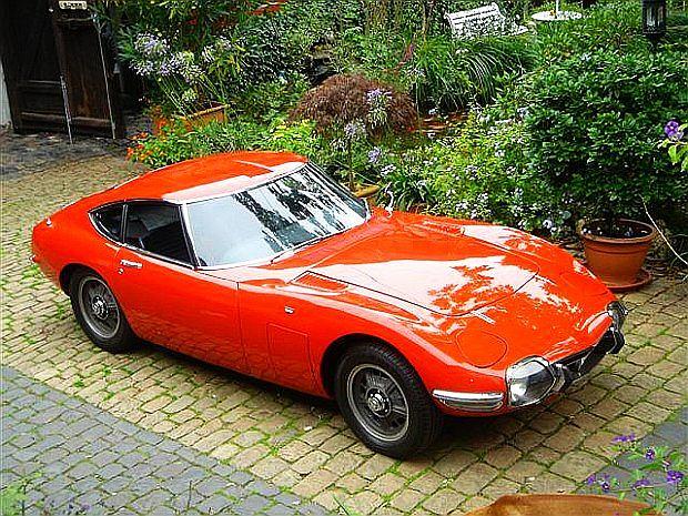 Obecnie 2000 GT kosztuje około 300 000 euro