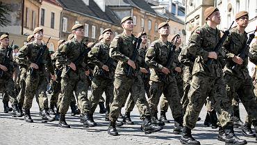 Koronawirus w Polsce. Mariusz Błaszczak zadecydował, że wojsko pomoże policji (zdjęcie ilustracyjne)