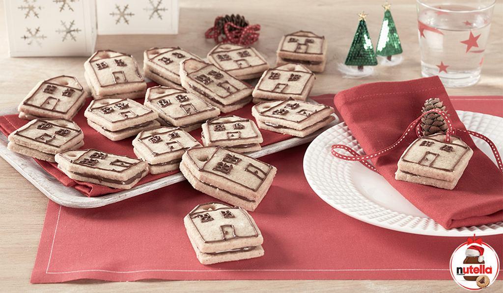 Ciasteczkowe domki na choinkę z kremem Nutella