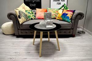 Stolik kawowy w modnym stylu