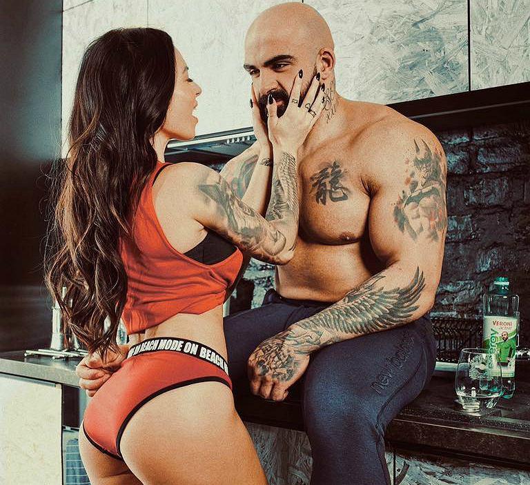 KSW 49. Akop Szostak może liczyć na wsparcie seksownej żony Sylwii