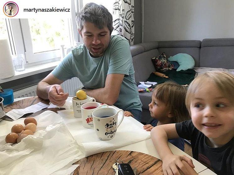 Paweł Szakiewicz z dziećmi