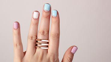 Modne paznokcie 2020 - minimalistyczne i artystyczne wzory