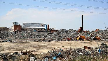 Prokuratura wszczęła śledztwo ws. składowiska odpadów w Zgierzu. Rtęć i azbest w 200 tys. beczek