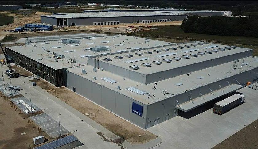 Spółka Spinko Moto ziemię w strefie w Nowym Kisielinie kupiła przed rokiem za 6 mln zł. Zakład jest gotowy, właśnie rusza z produkcją