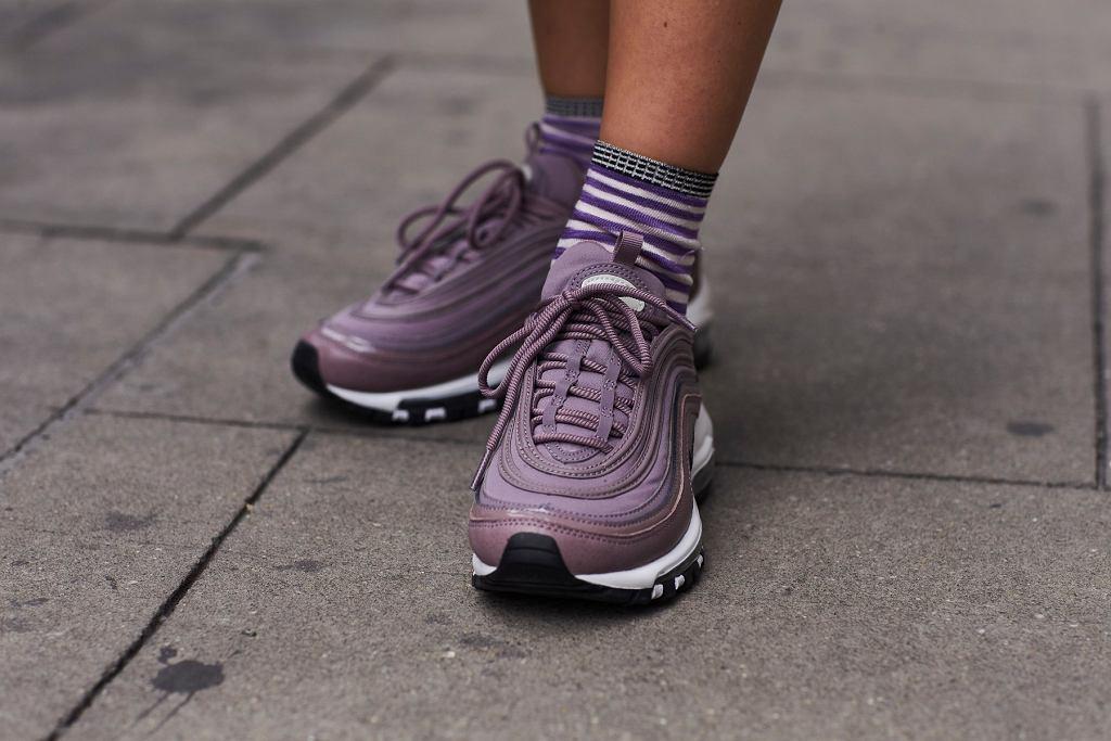 sneakersy
