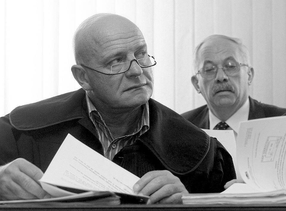 Adwokat Andrzej Reichelt w sali sądu w Poznaniu podczas procesu byłego senatora Henryka Stokłosy, 25 lutego 2010 r.